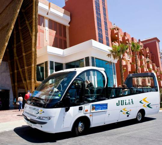 Hw shuttle bus hotel holiday world riwo benalmádena