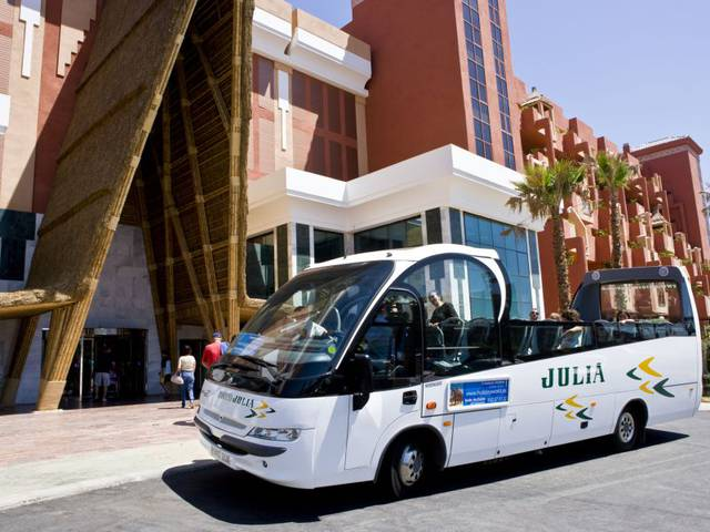 Shuttle bus hotel holiday world riwo benalmádena