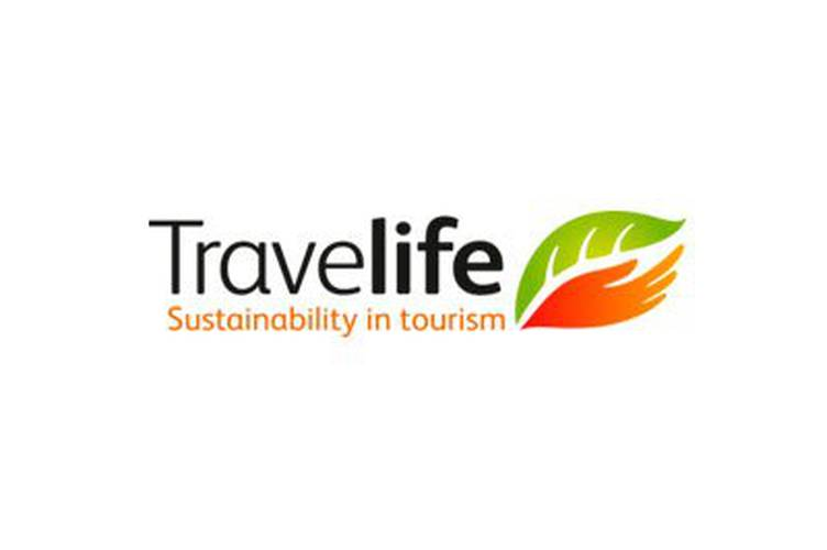 "Galardón "" Gold Travelife"" para Holiday Village y Holiday Polynesia Holiday World Resort"