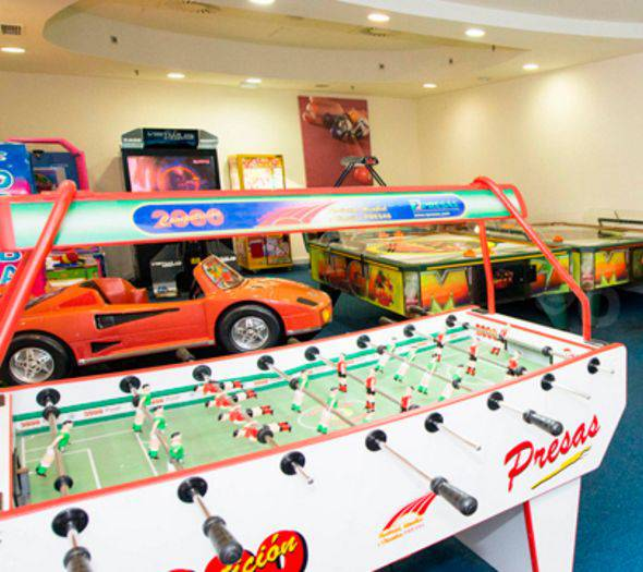 'play in' recreational zone holiday world riwo hotel benalmádena