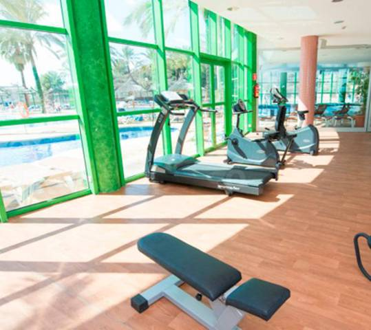 Sala fitness hotel holiday world riwo benalmádena