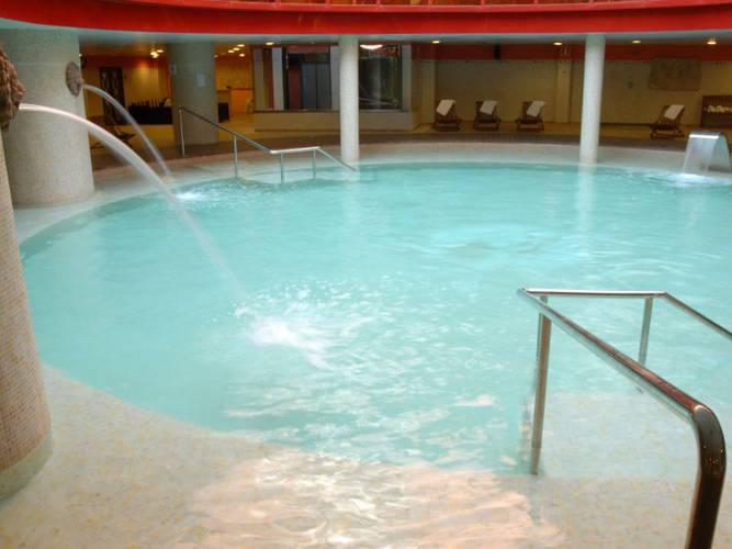 Spa Holiday World Resort