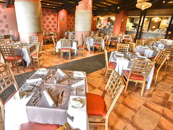 Restaurante Ahima´a Holiday World Resort