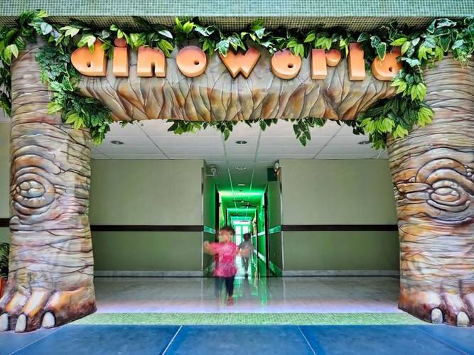 HabitaciÓn junior suite dinoworld hotel holiday world riwo benalmádena