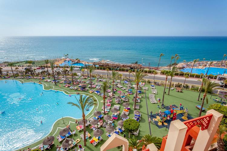 holiday world village hotel benalmádena