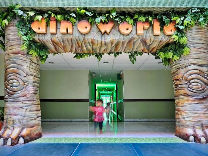 Dinoworld junior suite holiday world riwo hotel benalmádena